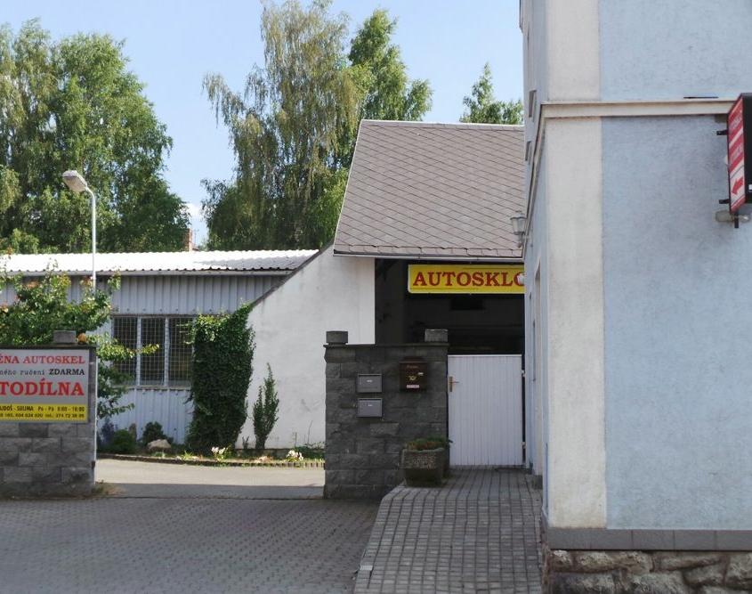 Provozovna servisu automobilů